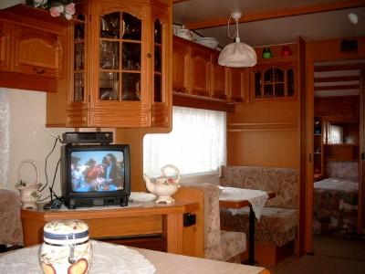 wohnwagen innen 1 jahr amerika. Black Bedroom Furniture Sets. Home Design Ideas